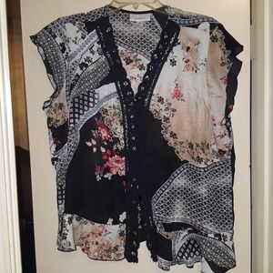 Dress Barn Tops - Dress Barn Blouse with patch pattern